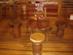 Mesa rustica de peroba