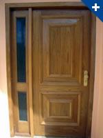 Porta externa especial maciça almofadada e