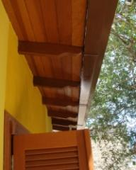 Lateral em madeira