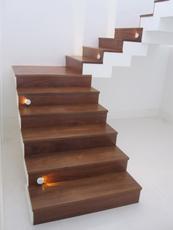 Revestimento escada em madeira de Ipê