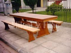 Mesa de madeira natural