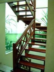 Escadas especiais em madeiras