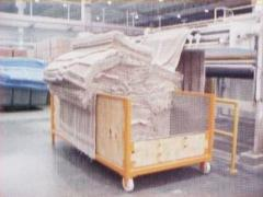 Carro barca para transportar tecido fraudado