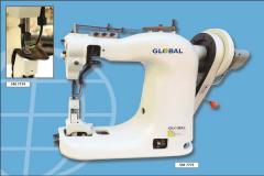 Máquina de 3 ou 4 agulhas para costuras em