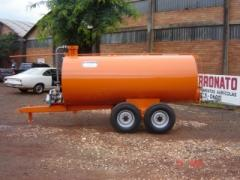 Distribuidor de agua e esterco liquido