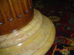 Coluna em marmore