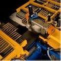 Máquinas de costura e bordado industriais