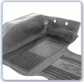 Tapetes Adan - Os tapetes de borracha da Adan possuem o diferencial de uma peça traseira sem emendas, com cobertura do túnel.