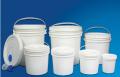 Baldes plásticos rígidos com tampa - estes baldes se caracterizam por ter grande resistência ao impacto e as grandes variações da temperatura ambiente.