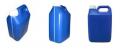 Embalagem 5 litros na cor azul, para produtos diversos.