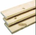 Madeira serrada  Pinus Elliotii - após a serragem as madeiras são remetidas para secagem artificial em estufas o que proporciona o teor certo de unidade, ocasionando uma ótima estabilidade dimensional.