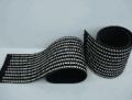 Placa de borracha côr preta com inserto cerâmico,superfície texturizada.