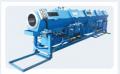 Calibração à vácuo - instalada em conjunto com a extrusora, calibra os diâmetros externos dos tubos.