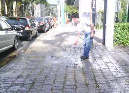 Encomenda Limpeza de calçadas