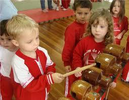 Encomenda Centros de criatividade e desenvolvimento musical infantil.
