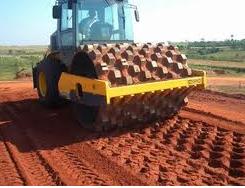 Encomenda Trabalhos de terraplenagem