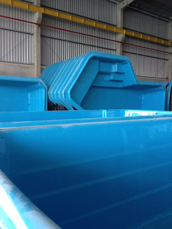 Encomenda Dealer importers for swimming pools and jacuzzi whirlpools