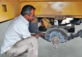 Encomenda Reparação dos corpos de veículos pesados, caminhões