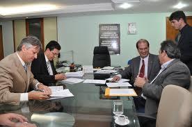 Encomenda Execução de projetos de investimento econômico-financeiro