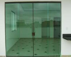 Limpeza de portas de vidro