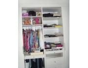 Organização de armários, cômodos, coleções, bibliotecas
