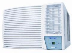 Manutenção de aparelhos de ar condicionado.