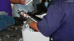 Desmontagem de equipamento comercial