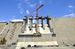 Construção de hidrelétrica