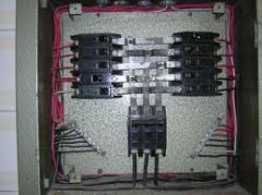 Montagem de linha de acessórios e cabos