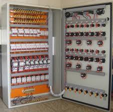 Instalação e montagem de equipamentos elétricos