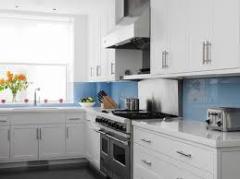 A seleção de móveis de cozinha e eletrodomésticos