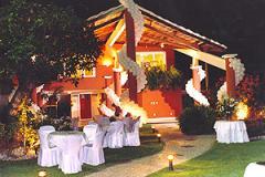 Instalações totalmente equipada, restaurantes, cafés