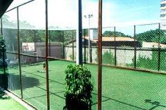 Serviços de construção de campos de futebol