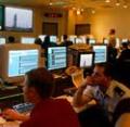 Serviços de verificação, testagem, certificação dos meios de programação informática