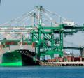 Importação por encomenda, o cliente encomendante contrata a trading, que faz a compra das mercadorias no exterior, com recursos próprios, e promove o despacho aduaneiro de importação.